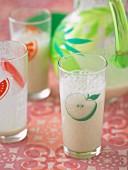 Tutti Frutti Smoothies mit Banane und Vanillejoghurt