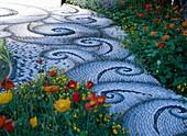 Mosaik-Weg von Maggy Howarth, Papaver nudicaule / Islandmohn