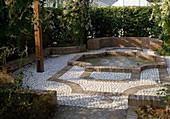 Atriumgarten mit Springbrunnen