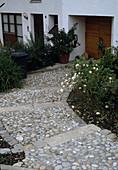 Treppe aus Kieselsteinen