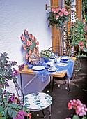 Frühstücksbalkon: HELIOTROPIUM, Hochstamm-ROSE