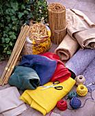 Materialien für den Winterschutz: Rupfen in versch. Farben, Vlies, Kokosmatte