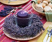 Lavandula / Lavendelkranz mit Windlicht