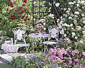 Mosaik - Sitzgruppe vor Rosenlaube : Querformat