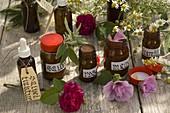 Kräuter - Apotheke mit Rosa (Rosen), Salvia (Salbei), Malva (Malve)