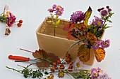 Herbstgesteck in Keramik - Jardiniere 4/5