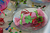Knallbonbon als Platzkarte für die Silvester - Tischdeko