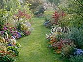 Herbstbeete mit Gräsern, Stauden, Sommerblumen und Gehölzen