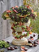 Herbstlicher Eisenpokal mit Hortensienblüten