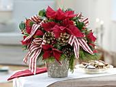 Weihnachtsstrauß aus Euphorbia pulcherrima (Weihnachtsstern)