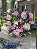 Duft - Herz aus Rosa (Rosen), Lavendel (Lavandula) und Minze (Mentha)