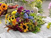 Frisch geschnittene Blumen aus dem Bauerngarten