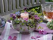 Kranz aus Clematis (Waldrebe), Hydrangea (Hortensie)