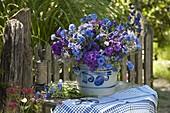 Blau - violetter Strauß mit Phlox (Flammenblumen), Aconitum