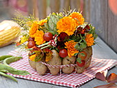 Erntedank-Strauß mit Gemüse im Kartoffel-Kleid 4/4