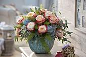 Strauß aus Rosa (Rosen), Hydrangea (Hortensien), Eukalyptus