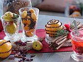 Weihnachtliches Duftarrangement : mit Nelken gespickte Orangen, Kumquat