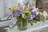 Frühsommerstrauß : Scabiosa (Witwenblume), Tanacetum parthenium
