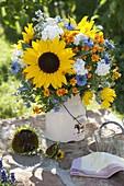 Sommerstrauss : Helianthus (Sonnenblumen), Phlox (Flammenblumen)