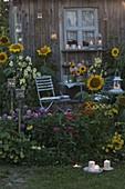 Abend - Terrasse am Gartenhaus