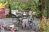 Terrasse mit Ernte - Tisch