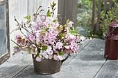 Duftender Strauss mit Hyacinthus 'Pink Pearl' (Hyacinthen)