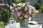 Duftender Strauss aus Paeonia lactiflora 'Bowl of Beauty' - Edel-Pfingstrose