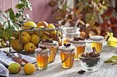 Gelee aus Zierquitten (Chaenomeles) mit Zimt und Sternanis