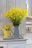 Wiesen-Strauss aus Ranunculus acris (Butterblumen, Hahnenfuss)