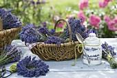 Geschenkkorb mit Lavendel und Lavendelzucker