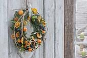 Mediterraner Türkranz : getrocknete Orangenscheiben (Citrus sinensis)