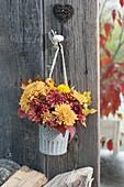 Kleiner Strauss aus Chrysanthemum (Herbstchrysanthemen)