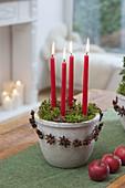 Schnelle Adventsdeko im Topf : 4 Kerzen in Trockensteckmasse