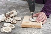 Selbstgemachte Holz-Knöpfe als Deko