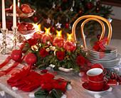 Adventsgesteck als Tischdeko mit Kiefern