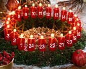 Adventskranz mit 24 Kerzen