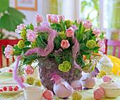 Tulipa 'Apple Blossom', Viburnum / Schneeball, Sisalwolle