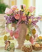 Strauß aus Tulipa 'Apple Blossom', Scilla hyacinthoides / Hasenglöckchen, Narciss
