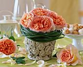 Strauß aus englischer Rose 'Abraham Darby'