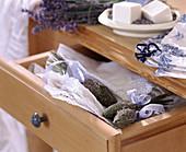 Lavendelkolben als Wäschesschutz gegen Motten,