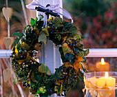 Herbstkranz: Hedera / Efeu, Ampelopsis / Scheinrebe