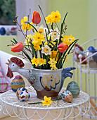 Narcissus / Narzissen, Tulipa / Tulpen, Betula / Birkenzweige