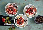 Quick and easy tiramisu with rusk, strawberries and low-fat quark