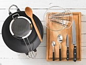 Kitchen utensils for making mussels with fermented beans