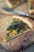 Vegetarian red algae quiche