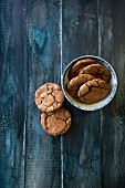 Almond and chocolate cookies