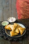 Samosas with lamb filling (India)