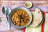 Chickpeas in tamarind sauce (India)
