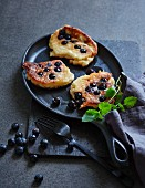 Blueberry and almond pancakes (low carb)