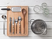 Kitchen utensils for the preparation of chutney